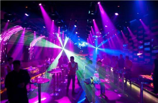 Đèn pha Led giá rẻ chuyên dùng cho sân khấu